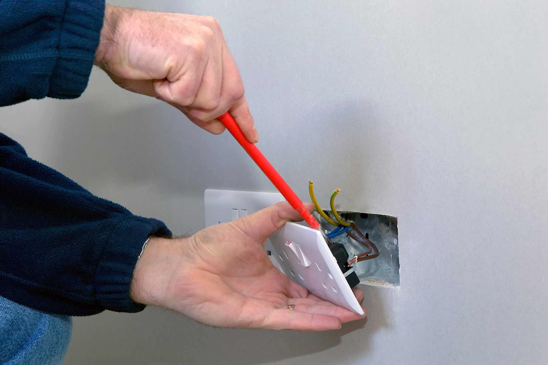 Our electricians can install plug sockets for domestic and commercial proeprties in West Drayton and the local area.